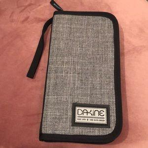 Dakine Travel Wallet